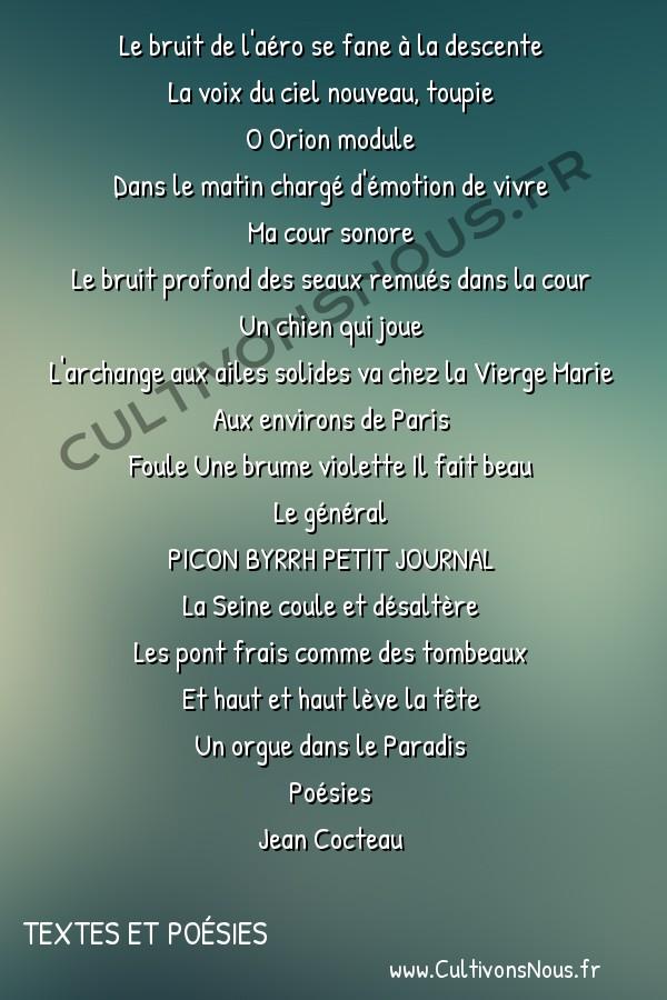 Poésies Jean Cocteau - Textes et poésies - Biplan le matin -  Le bruit de l'aéro se fane à la descente La voix du ciel nouveau, toupie