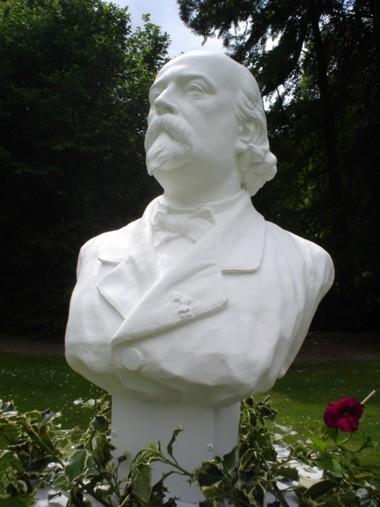 Statut de Louis Bouilhet