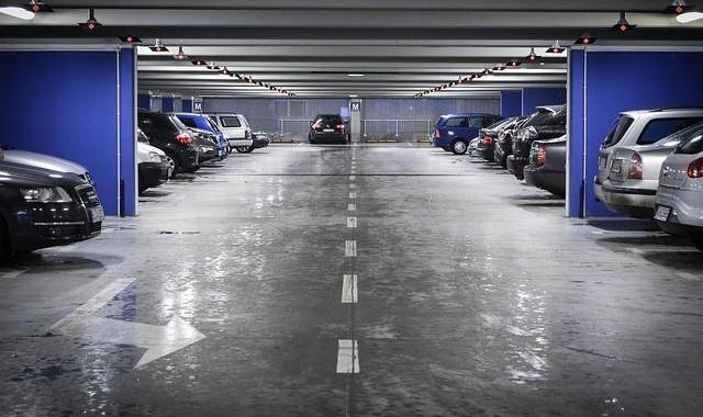 Voitures au parking