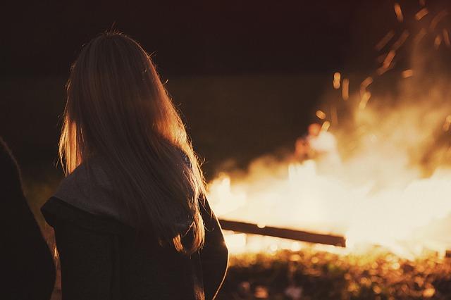 fille des flammes