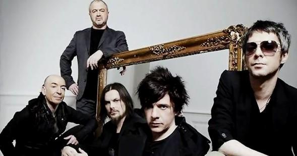 Le groupe de rock Indochine