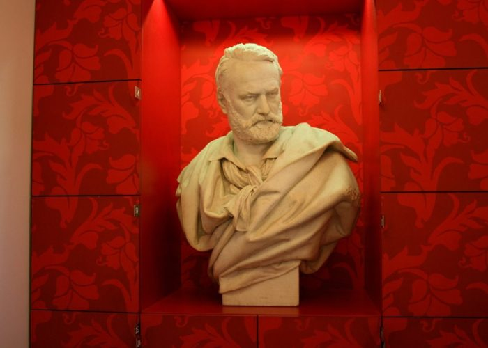 « Victor Hugo, ennemi d'Etat » : la mini-série relatant une période de la vie de l'écrivain