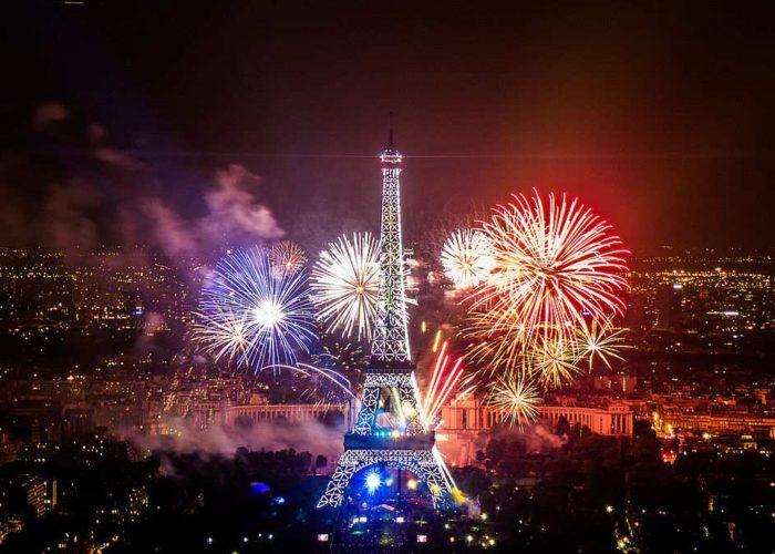 Tour Eiffel : pourquoi l'a-t-on érigée
