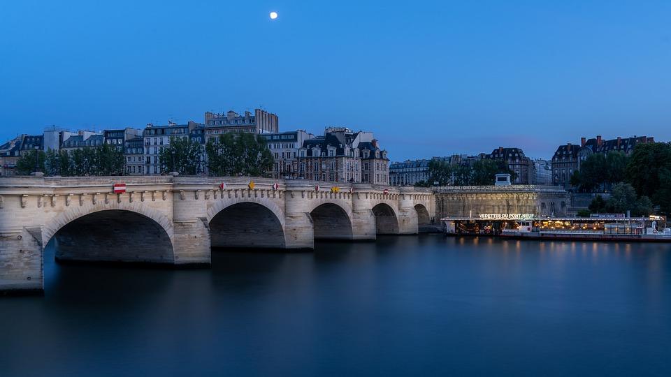 Le premier pont sans maisons